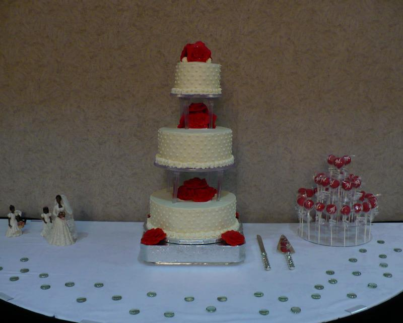Connie's Wedding Cake & Cake Pops